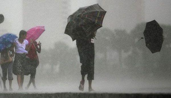 சீரற்ற காலநிலையுடன் தென்மேற்கு பருவகாற்று காலநிலையும் கைகோருகிறது