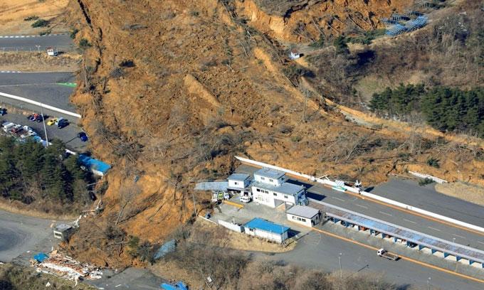 ஜப்பானில் ஏற்பட்ட சக்தி வாய்ந்த நிலநடுக்கத்தில் சுமார் 120 பேருக்கு காயம்