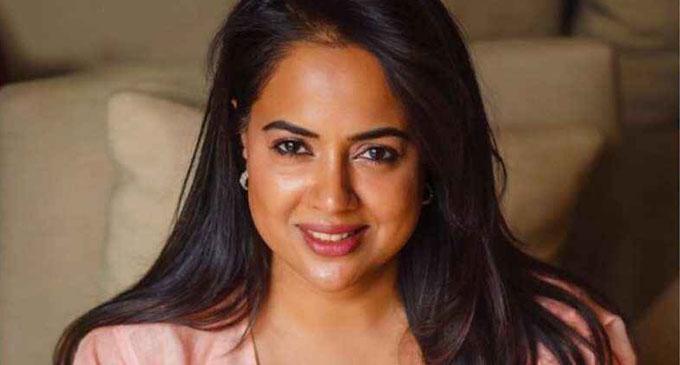 சமீரா ரெட்டிக்கு கொரோனா